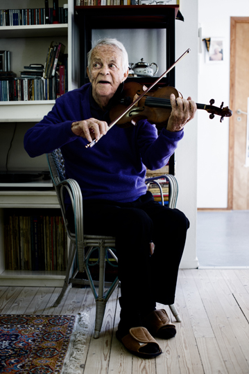 99-year old violinist Svend Asmussen